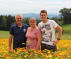 Bio Kräuterhof Aufreiter Familie